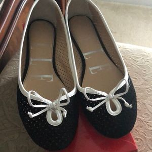 Elle black flats with cute white bow